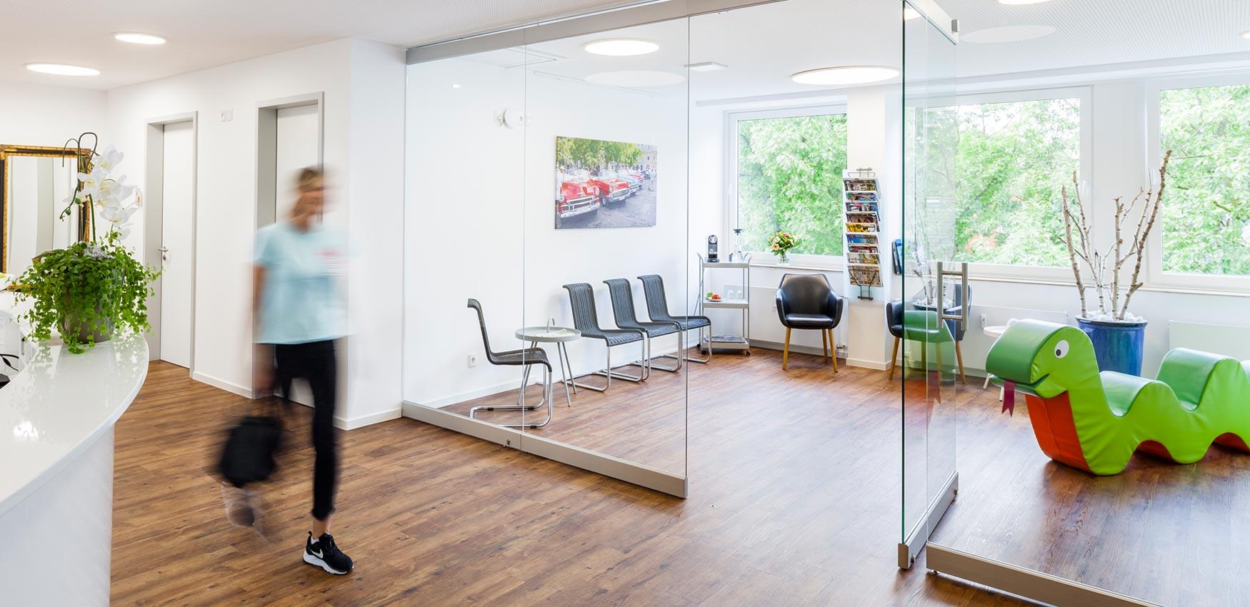 Wartebereich Zahnarztpraxis Pierchalla Münster